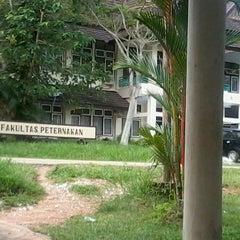 Photo taken at Fakultas Peternakan by Evryn N. on 3/13/2013