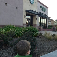 Photo taken at Starbucks by Hank E. on 2/28/2013