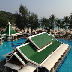 Photo taken at Le Meridien Beach Resort by Yasmin A. on 3/30/2013