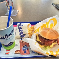 Photo taken at Culver's by Carlos M. on 8/16/2015