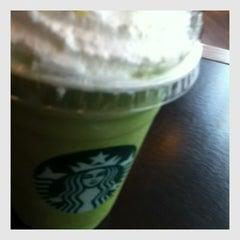Photo taken at Starbucks (สตาร์บัคส์) by ɱίɴτ ⓟરᎯ on 1/29/2013
