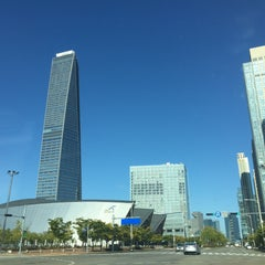 Photo taken at 송도컨벤시아 (Songdo Convensia) by GeumSung A. on 10/2/2015