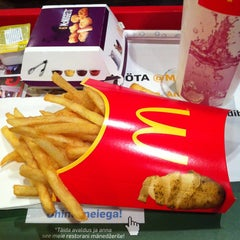 Photo taken at McDonald's by Marvin V. on 3/30/2013