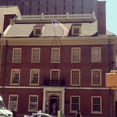 Photo taken at Fraunces Tavern by Katie R. on 6/1/2013