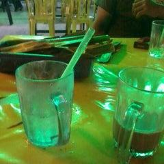 Photo taken at Warung Pinang Sebatang by apiz H. on 4/10/2012