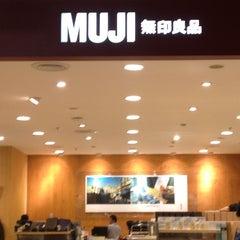 Photo taken at MUJI (มูจิ) 無印良品 by Chanitha R. on 1/20/2013