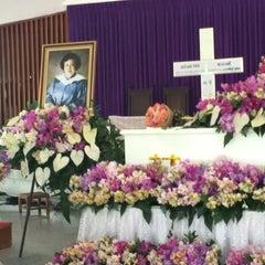 Photo taken at The First Church of Chiang Mai โบสถ์คริสตจักรที่ 1 เชียงใหม่ by Ben S. on 3/6/2015