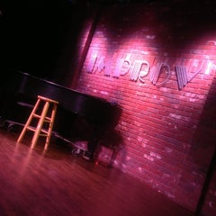 Photo taken at The Hollywood Improv by Queen Nes on 5/18/2013