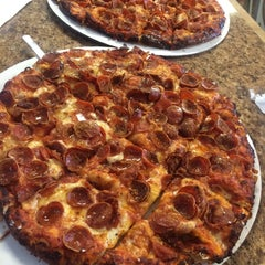 Photo taken at Tommy's Pizza by Cartucho C. on 7/25/2015