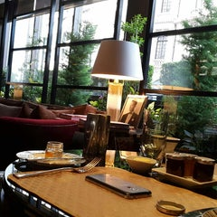 Photo taken at Amaranto Restaurant by Chutz P. on 5/19/2015