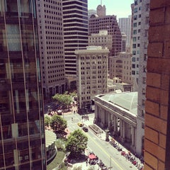 Photo taken at Sansome St. and Bush St. by Ningxia Z. on 6/18/2013