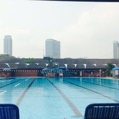 Photo taken at Swimming Pool by Ni-on S. on 3/21/2014