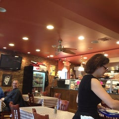 Photo taken at Pizza Cotta-Bene by Joe W. on 2/8/2013
