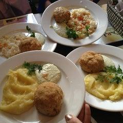 Photo taken at Cafe de Cherrie by Julia H. on 3/22/2013