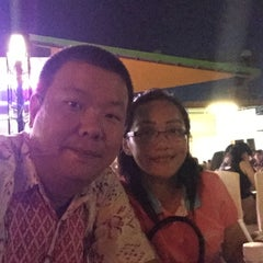 Photo taken at Harbour Bay Seafood Restaurant by Sanni Y. on 7/10/2015