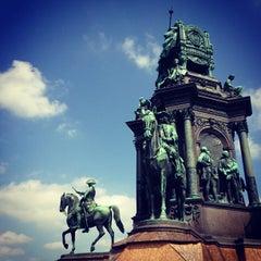 Das Foto wurde bei Maria-Theresien-Platz von Slawomir B. am 5/4/2013 aufgenommen