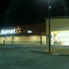 Foto tomada en Walmart Paraíso por Jorge P. el 4/30/2013