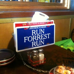 Photo taken at Bubba Gump Shrimp Co. by Ernesto E. on 5/11/2013