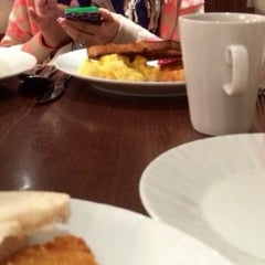 Photo taken at Cardiff Marriott Hotel by Noura A. on 5/31/2014
