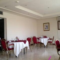 Photo taken at Misloon Hotel | فندق ميسلون by Abdulrahman M. on 5/4/2013