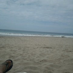 Photo taken at Playa Vichayito by Luis Z. on 1/23/2013