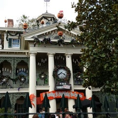 Photo taken at Haunted Mansion by PerryTwins on 10/3/2013