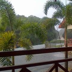 Photo taken at Kesedar Inn Gua Musang (Penginapan) by sUrELaRiS M. on 6/5/2013