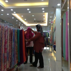 Photo taken at Butik Ariani by Ieqa Y. on 2/27/2013