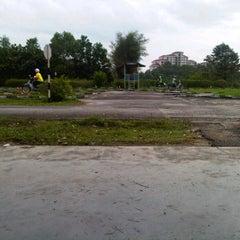 Photo taken at Institut Memandu Bunga Raya by Kamarul I. on 1/26/2012