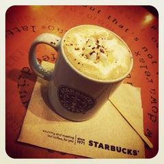 Photo taken at Starbucks (สตาร์บัคส์) by Rainy on 6/5/2012