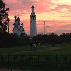 Photo taken at Парк Строителей by Светлана К. on 8/28/2013