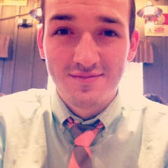 Photo taken at Cracker Barrel Old Country Store by Travis S. on 3/31/2013
