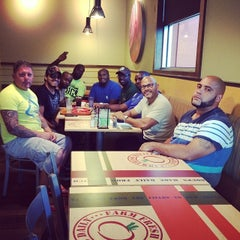Photo taken at Sweet Tomatoes by Roberto H. on 7/25/2014