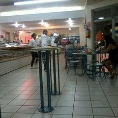 Photo taken at Luzardo Restaurante e Lancheria by Layane M. on 2/19/2013