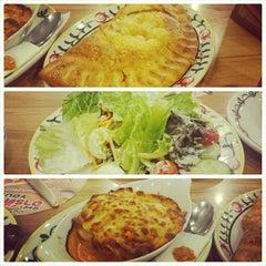 Photo taken at The Pizza Company (เดอะ พิซซ่า คอมปะนี) by Yohan A. on 4/14/2015