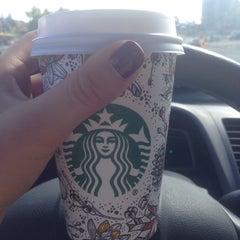 Photo taken at Starbucks by Tete A. on 9/25/2015