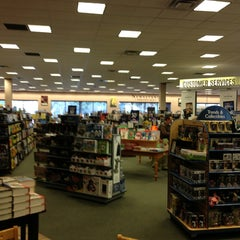 Photo taken at Barnes & Noble by Susan S. on 1/5/2013