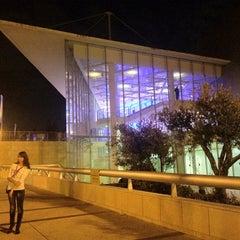 Photo taken at Tel Aviv University   אוניברסיטת תל-אביב by Наталья Р. on 2/5/2013