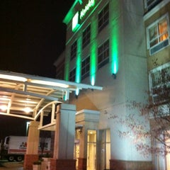 Photo taken at Holiday Inn Aurora North- Naperville by Eric S. on 12/19/2012