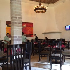 Photo taken at Restaurante La Huerta Café by Siervo S. on 7/30/2015