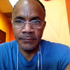 Photo taken at Dunkin Donuts by Emanuel A. on 4/26/2014