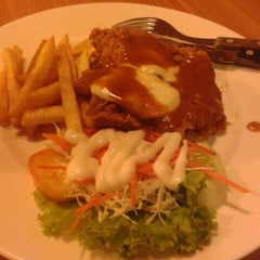 Photo taken at Solaria by Benz S. on 3/21/2013