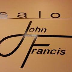 Photo taken at Salon John Francis by Cami F. on 2/23/2013