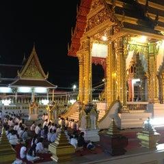 Photo taken at วัดเทพลีลา พระอารามหลวง (Wat Thep Leela) by BangBank _. on 12/31/2012