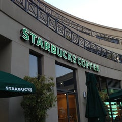 Photo taken at Starbucks by Glitterati Tours on 3/28/2013
