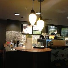 Photo taken at Starbucks (สตาร์บัคส์) by Jira A. on 3/24/2013