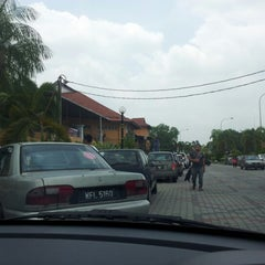 Photo taken at Medan Gopeng Bus Terminal by iana a. on 3/23/2013