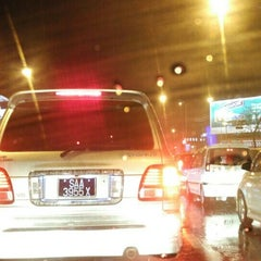 Photo taken at Traffic Light Lido Intersection by Bros™ on 10/2/2015
