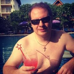 Photo taken at Chalong Beach Hotel & Spa by Антон И. on 11/11/2014
