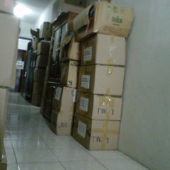 Photo taken at Dinas Pendidikan Kota Surabaya by Anique A. on 6/5/2013